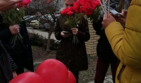 Uczniowie PTZ w Nowym Sączu w Walentynki z wizytą w Ratuszu…